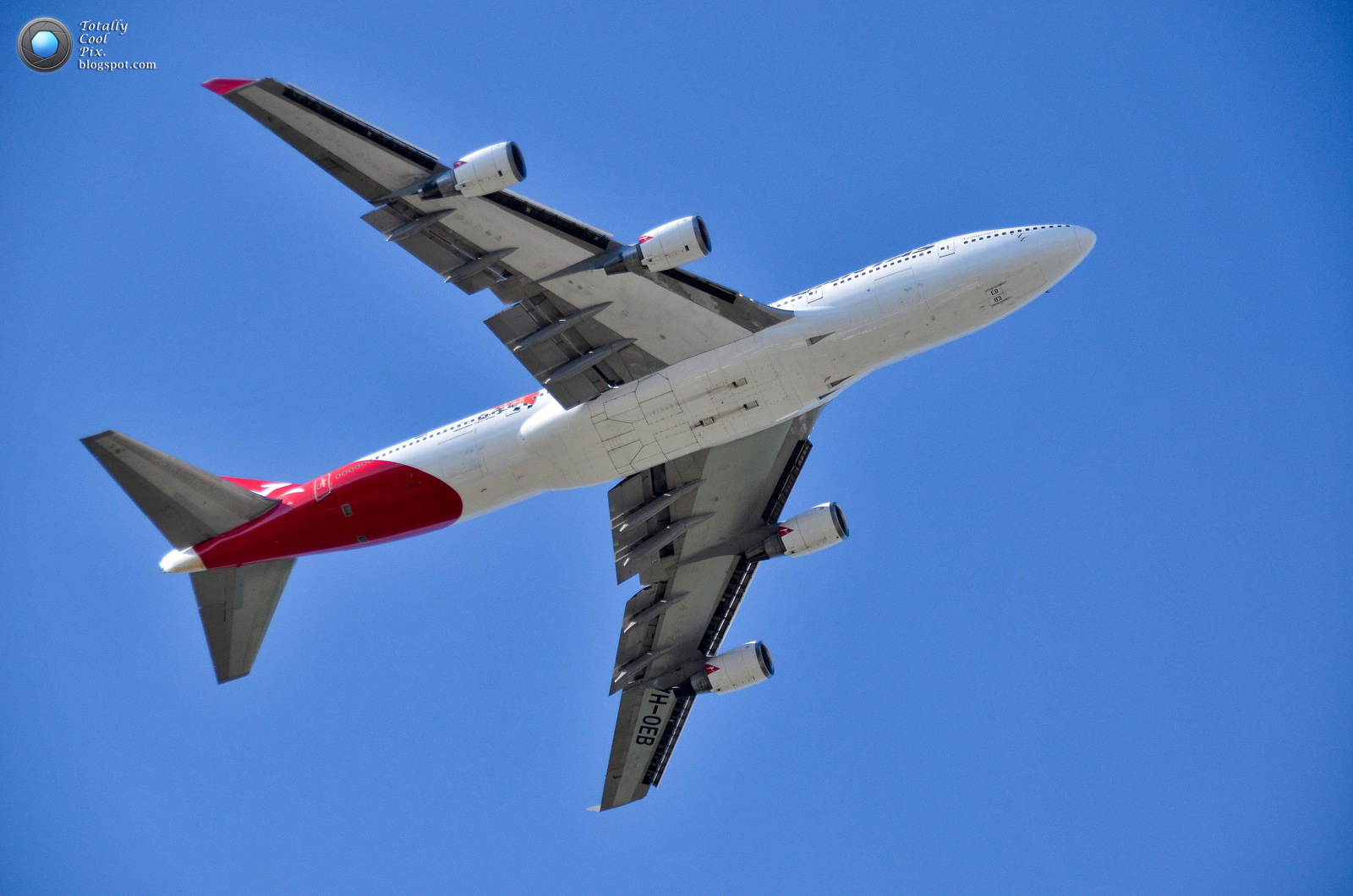 http://2.bp.blogspot.com/-roOtERDd5oQ/T9xV4wSP5FI/AAAAAAAABUo/epZtrcfZmTE/s1600/21-Australia-2012-F1-Grand-Prix-Airshow-Wallpaper-Keith-McInnes-Photography-QANTAS-747.jpg