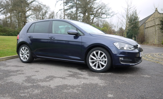 2013 VW Golf side view