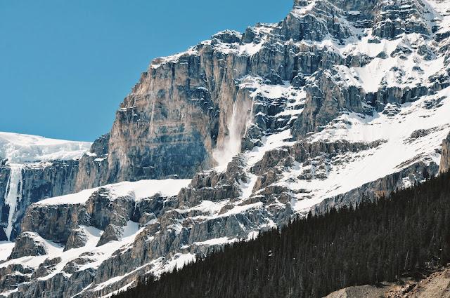 Avalanche at the Stutfield Glacier