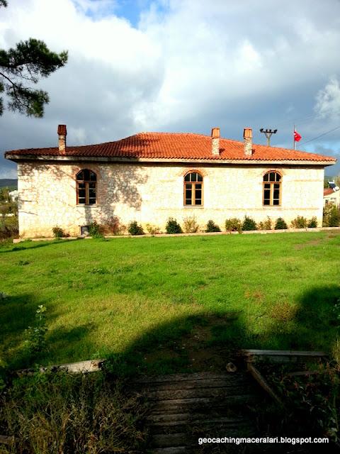 cumhuriyetin ilk köy okulu