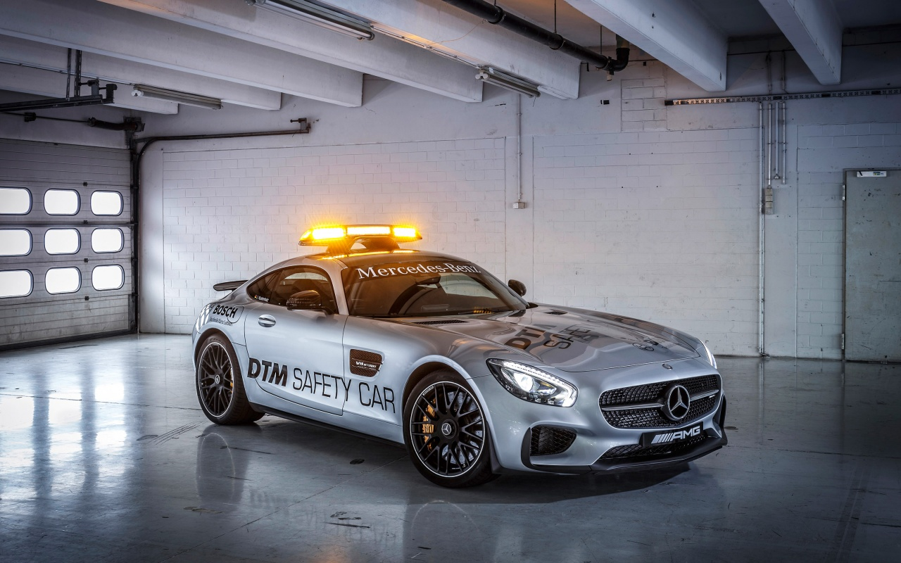 2015 Mercedes Amg GT Safety Car