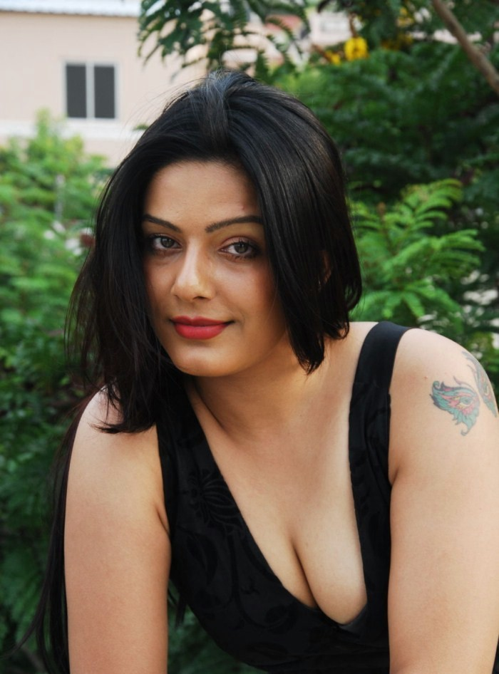 Telugu Actress Reva Dn Boobs show Images | Sun Vijay Raj Polimer ...