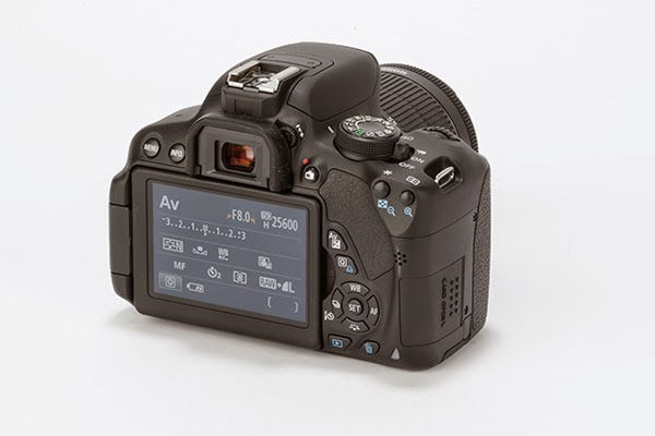 Canon EOS 700D reviews