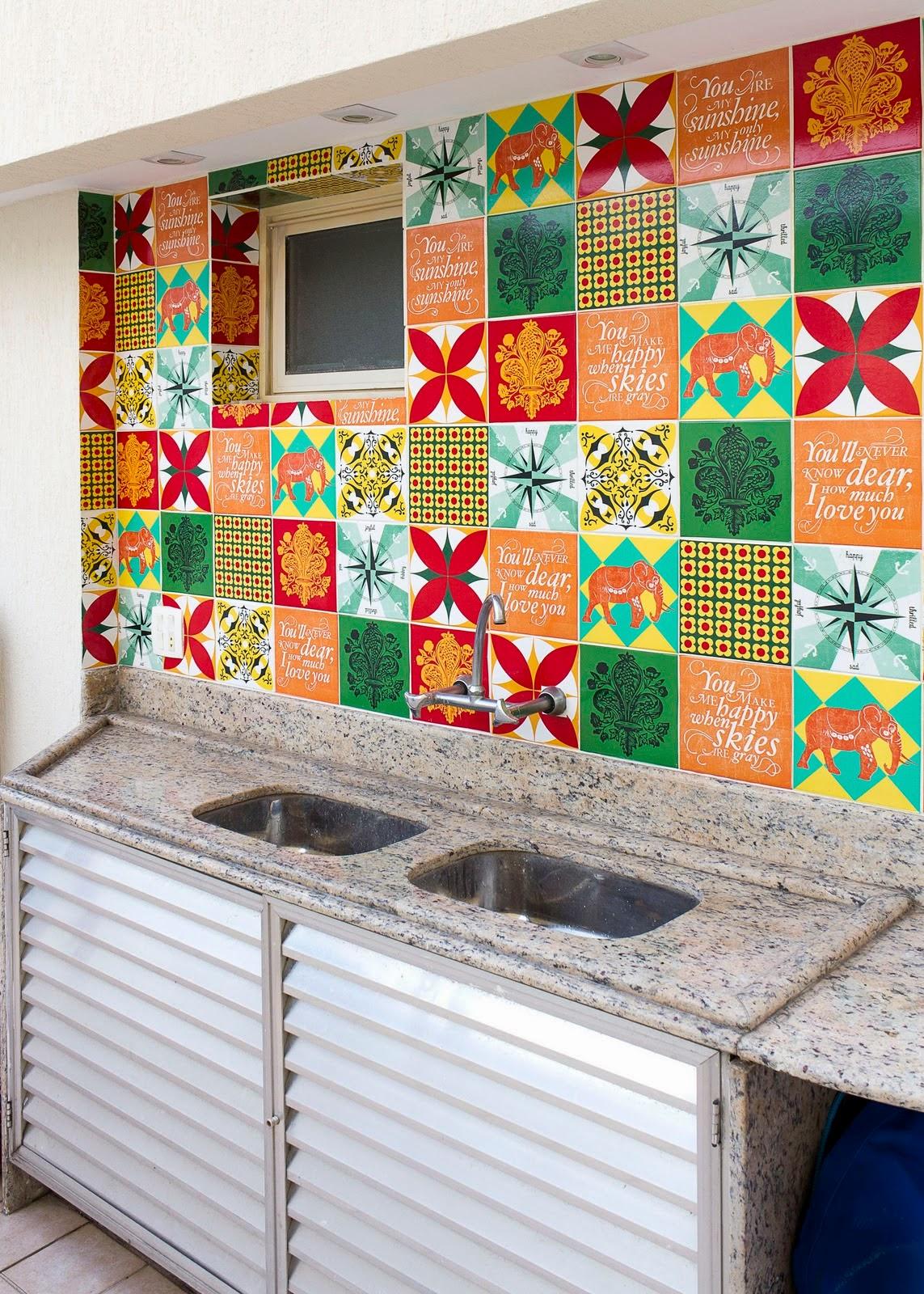 Cafofo sonhado o ladrilho hidr ulico adesivo da cozinha for Azulejos on line