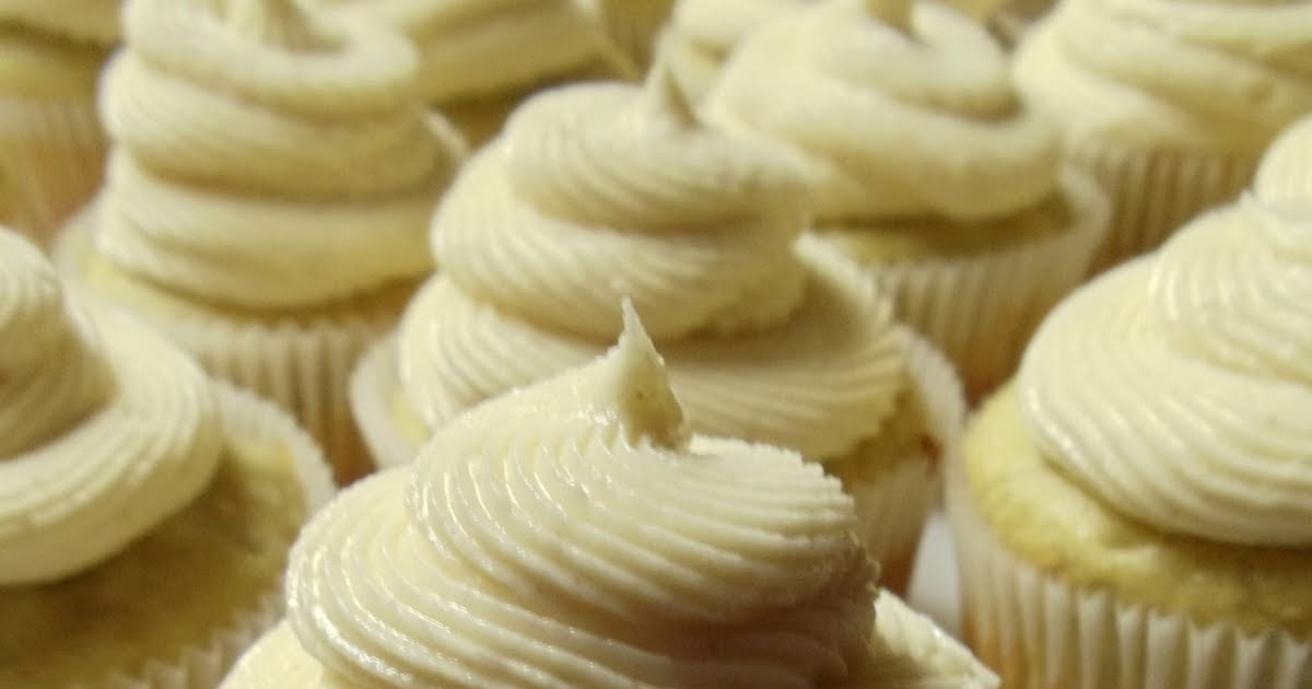 ... Has It's Wonders: Roasted Banana Cupcakes with Honey-Cinnamon Frosting