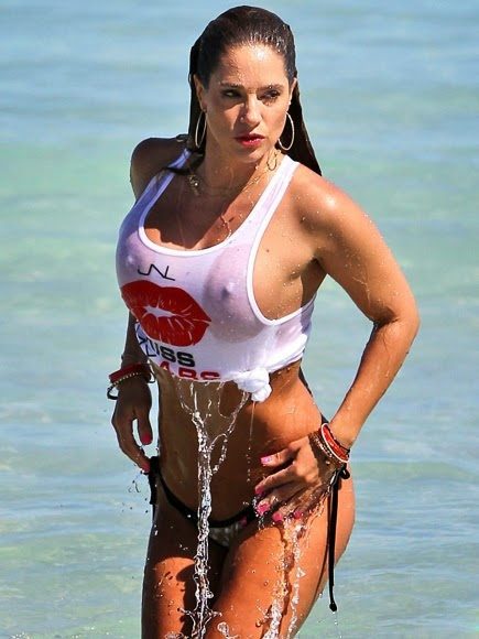 Jennifer-Nicole-Lee-Wet-T-Shirt-and-Bikini-Bottom-on-Miami-Beach
