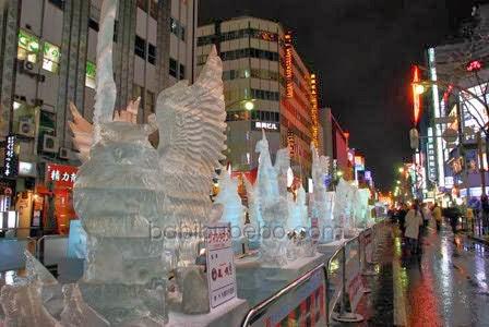 sculpture ice in sapporo