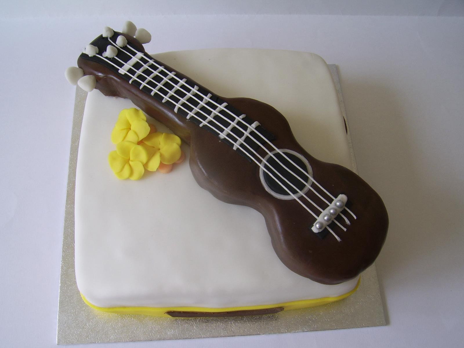 Irenafoods Ukulele Cake Tort Ukulele Torta Ukulele