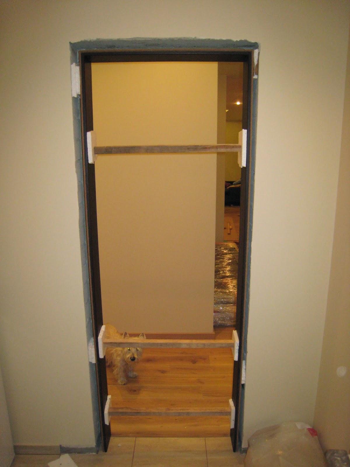 Vidaus durys su stakta