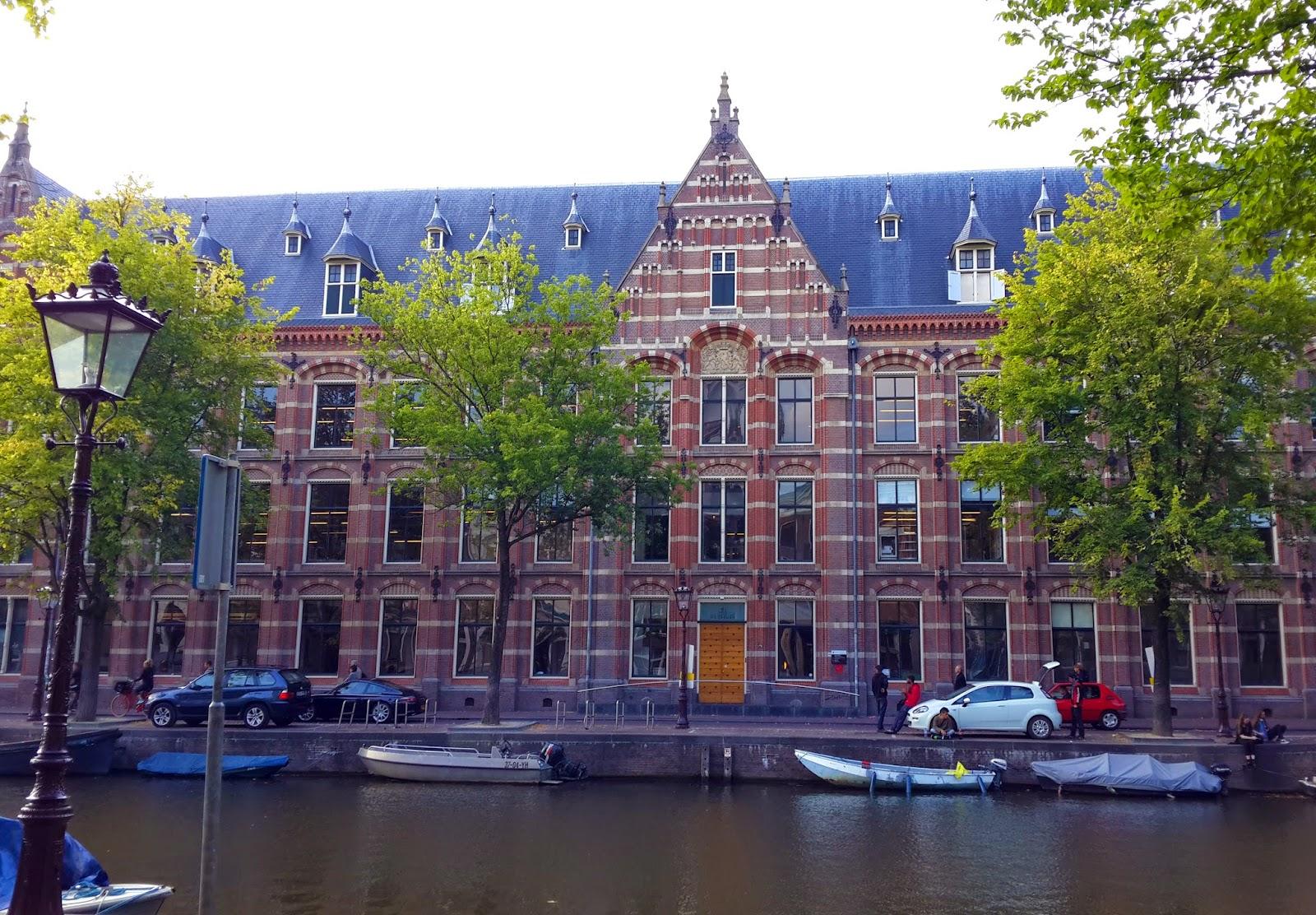 музей гашиша в Амстердаме