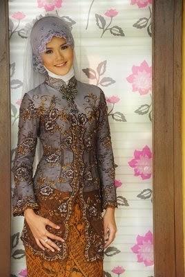 Baju Muslim Kebaya Wisuda