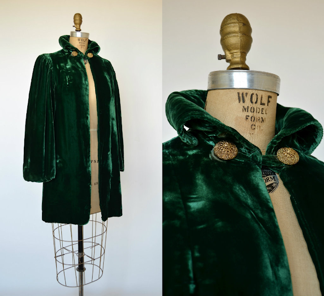 1940s Emerald Velvet Opera Coat #40s #fashion #emerald #coat #vintage