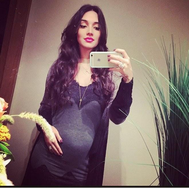 La ex Miss Universo 2003 Amelia Vega pidió que el regalo para su bebe sea una donación para la Fundación Amigos Contra el Cáncer.