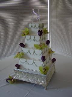 A Wine Country Wedding Cake