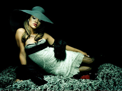 rihanna_hot_wallpaper_in_hat_sweetangelonly.com