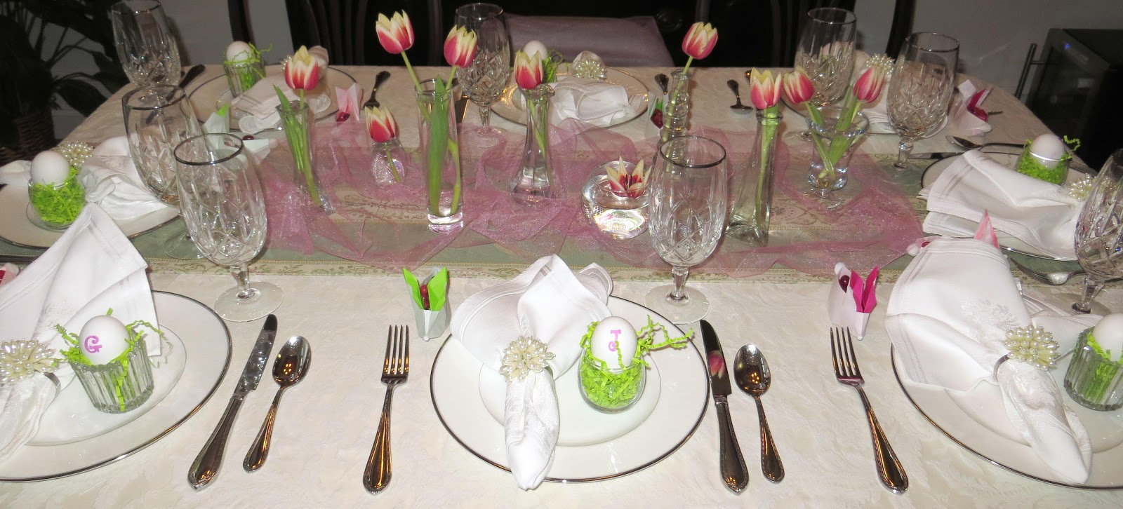 Room mom extraordinaire easter table decorations - Easter table decorations meals special ...
