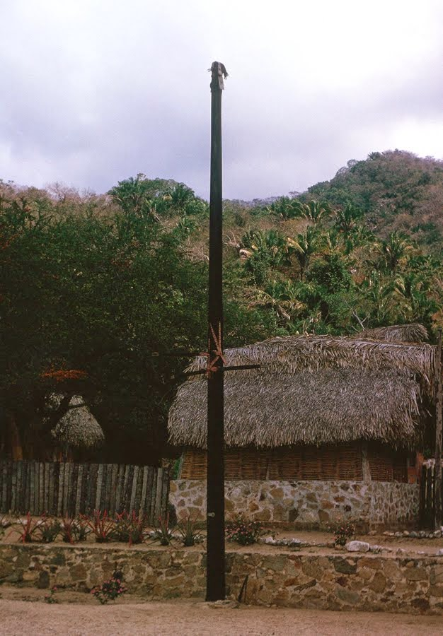Mast at Hotel Lagunita
