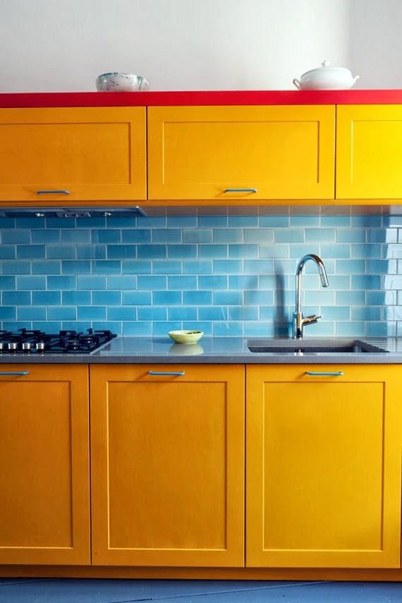 vermelho amarelo azul - cores primárias - armário amarelo