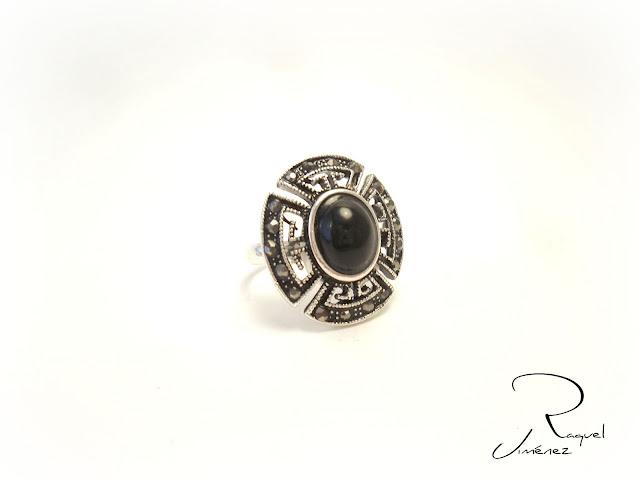 anillo vintage negro