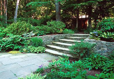 diseno-Escalera-patio-jardines