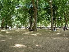 Cheap Hostels near Kensington Garden