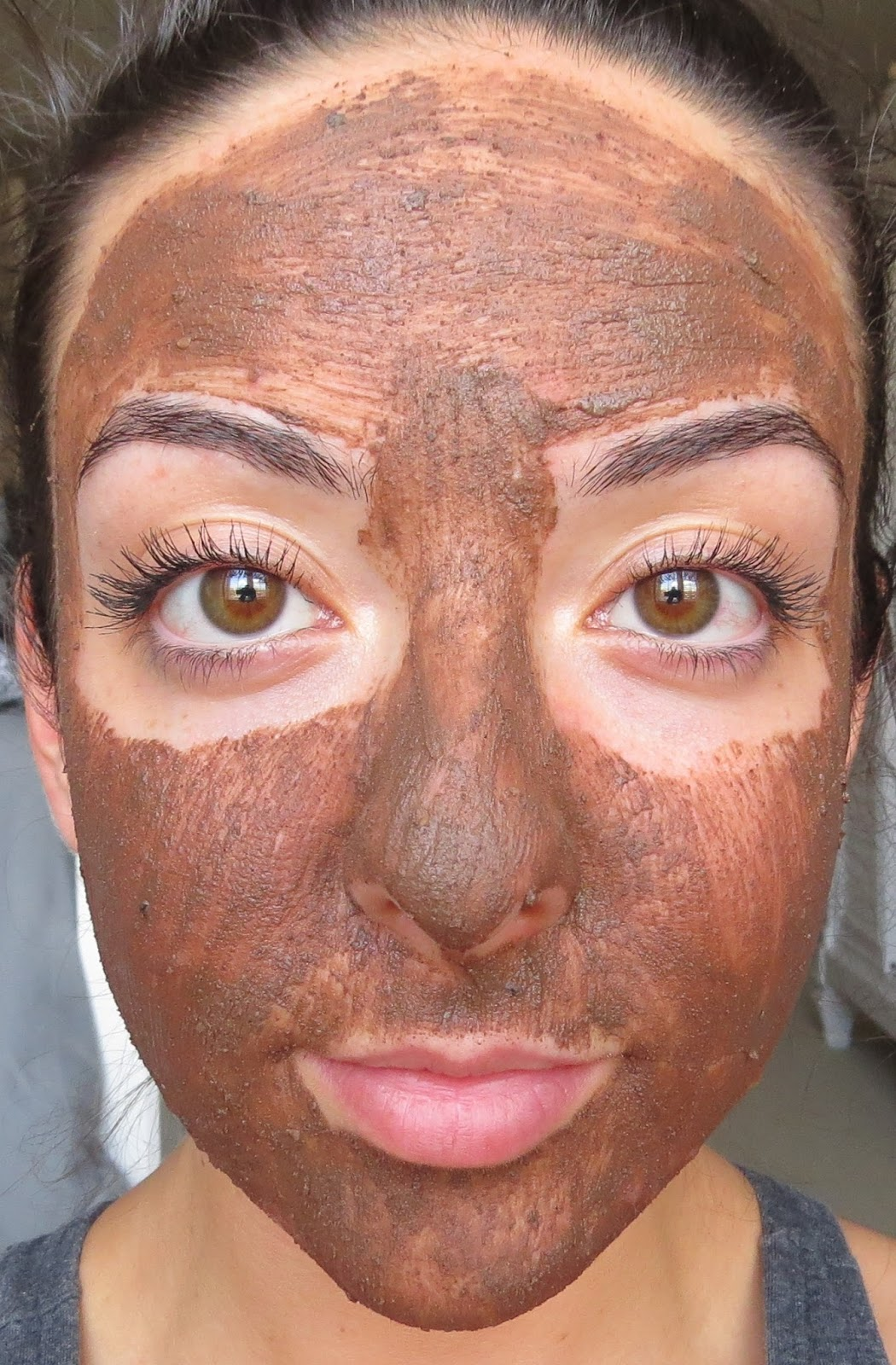 The Pictures Above Show Cupcake Fresh Face Mask Freshly Applied To My Clean Skin As You Can See Texture Is Quick Thin And Colour An Opaque