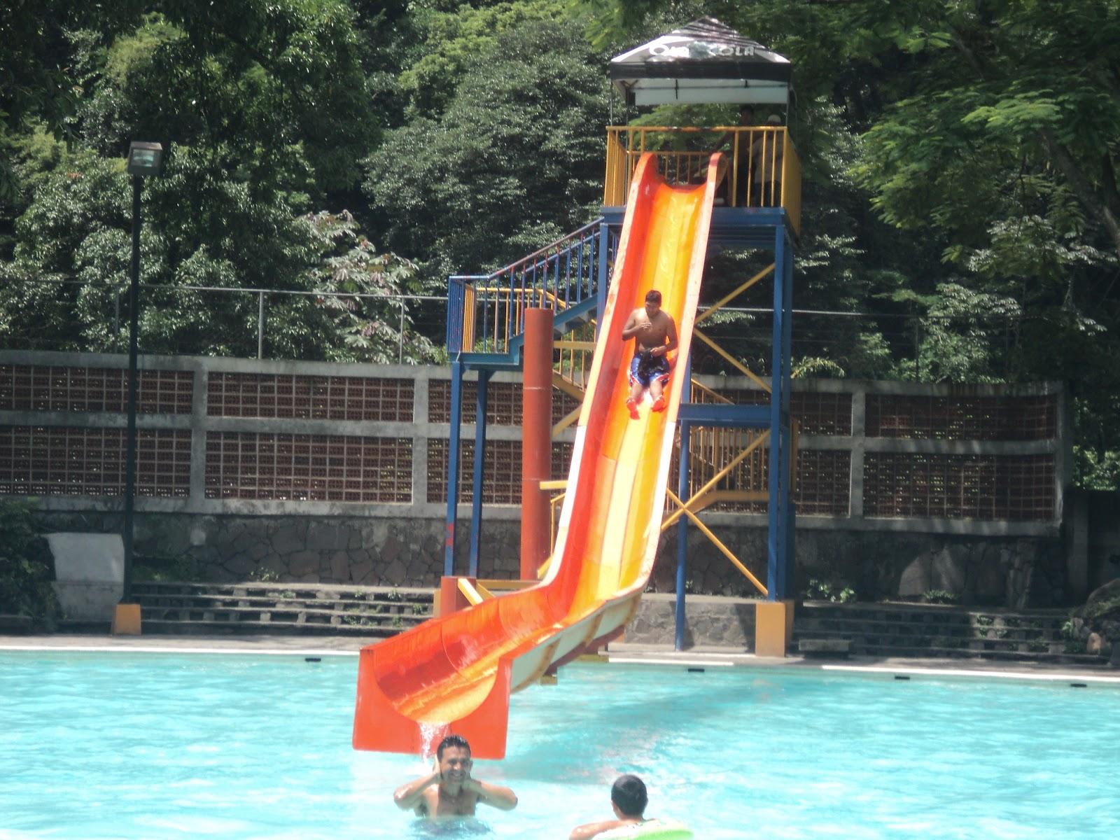 El nuevo rostro del turismo salvadore o parque acu tico for Chorros para piscinas