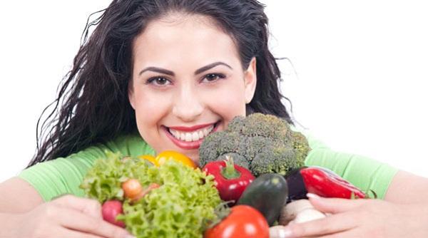 Hãy xây dựng cho bản thân chế độ ăn uống hợp lý giúp phòng bệnh trĩ