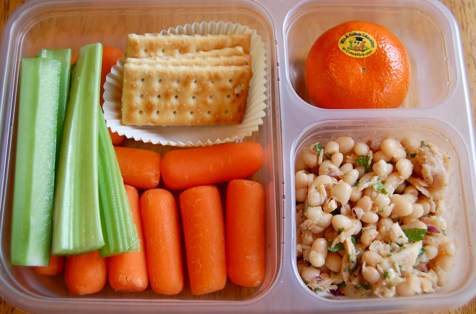 Chef mommy mail bag healthy lunch ideas carrots celery crackers white bean tuna salad clementine forumfinder Choice Image