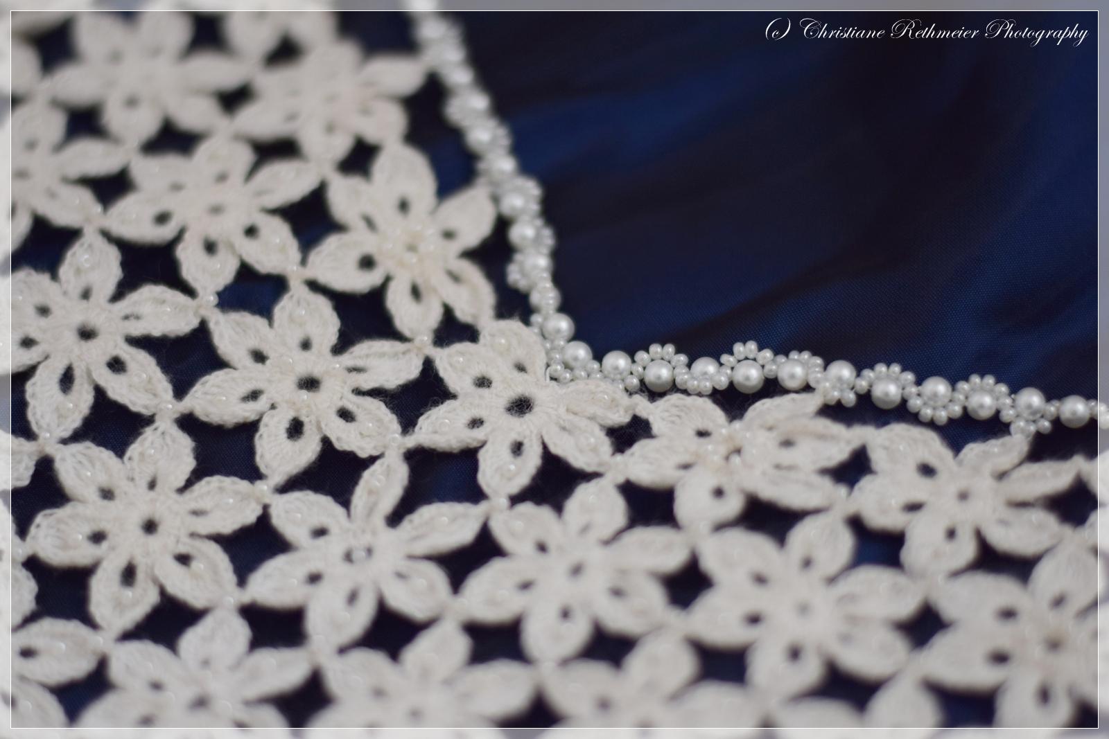 Chrissi - kreativ: Hochzeitskleid, selbst gehäkelt und mit Perlen ...