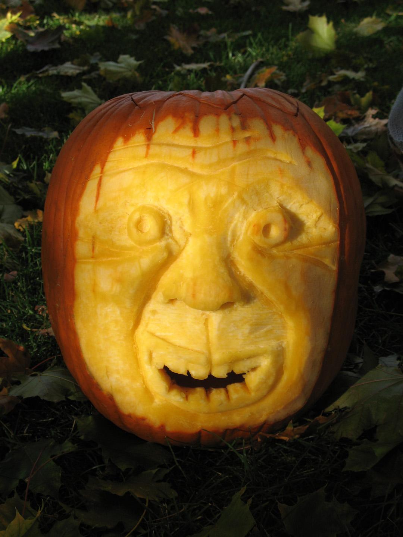 Halloween Ideas: A Sculpted Jack-O-Lantern - thecraftpatchblog.com