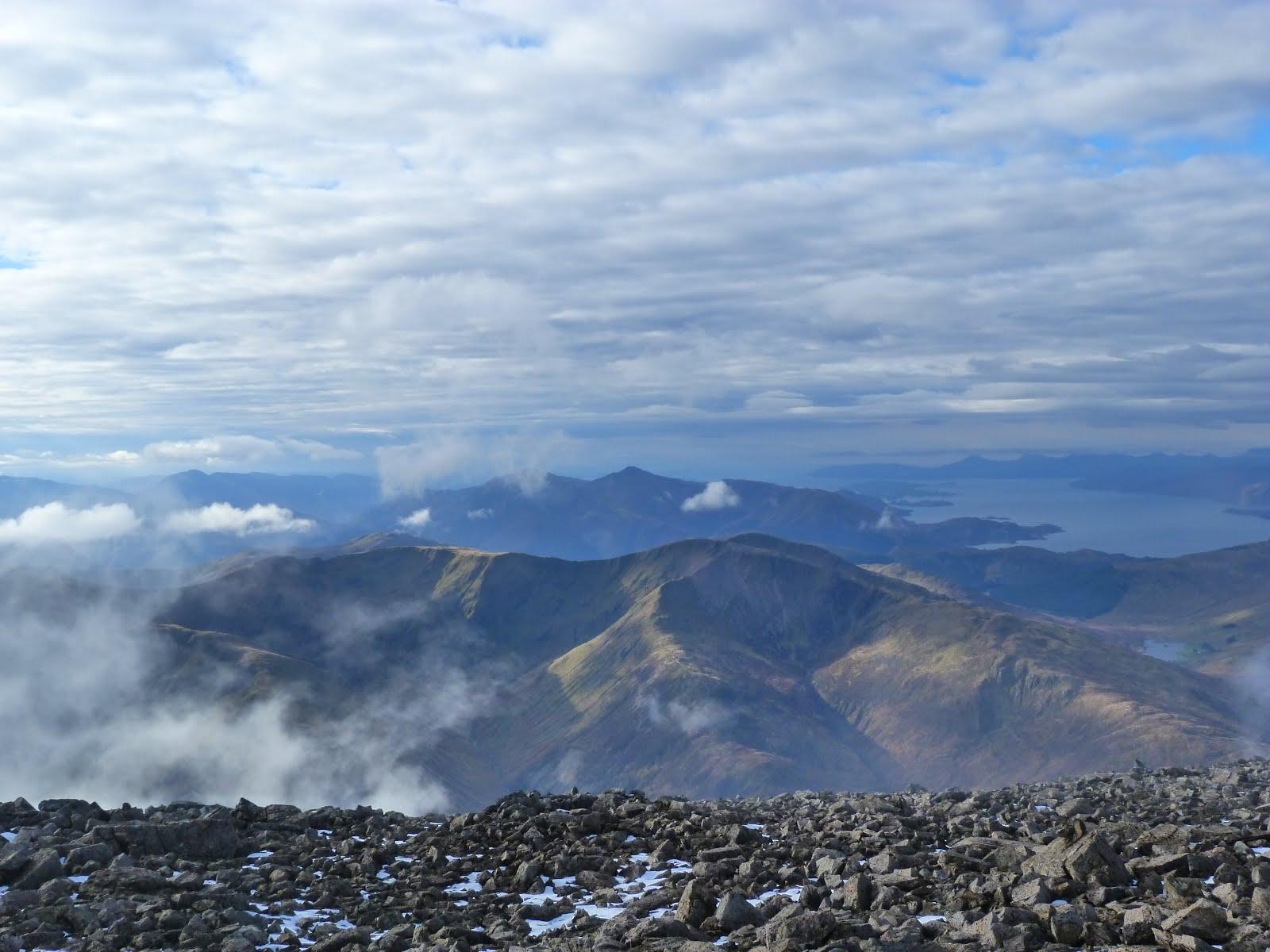 Vue depuis le sommet du Ben nevis en Ecosse (1344m)