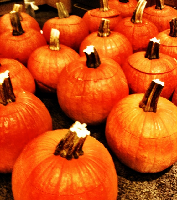 Mommy 39 s wish list how to carve a halloween pumpkin the for Cool easy ways to carve a pumpkin