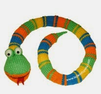 http://www.tejiendoperu.com/mu%C3%B1ecos-en-dos-agujas/culebra-o-serpiente/