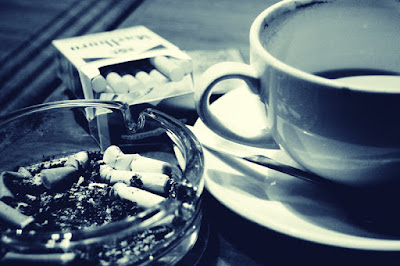 Tetap Sehat Dengan Secangkir Kopi Dan Sebatang Rokok