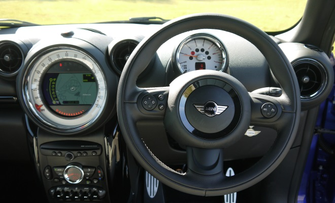 Mini Paceman Cooper SD steering wheel