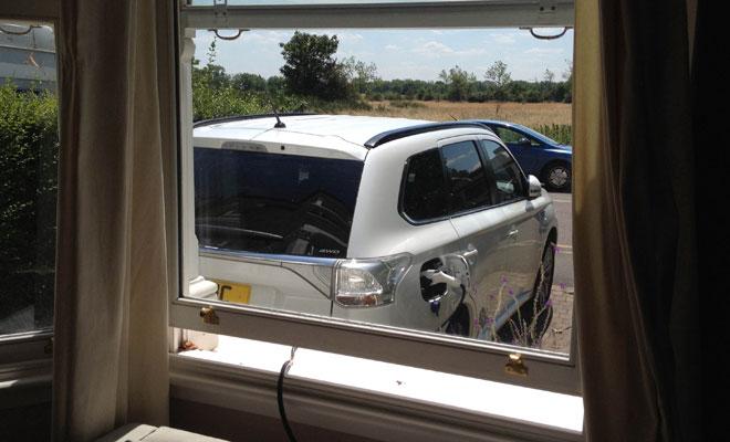 Mitsubishi Outlander PHEV charging