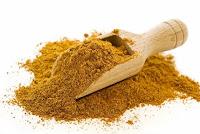 Köri; Asya ülkelerinde yaygın olarak kullanılan fakat ülkemizde yeni keşfedilen bir baharat karışımıdır. Tavuk yemeklerinde, makarna soslarında, soslarda kullandığım bir baharat karışımı, lezzetinin yanında sağlık içinde çok yararlıdır.