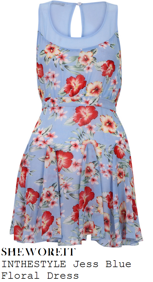 jessica-wright-blue-pink-and-cream-floral-hawaiian-print-sweetheart-neckline-sleeveless-dress