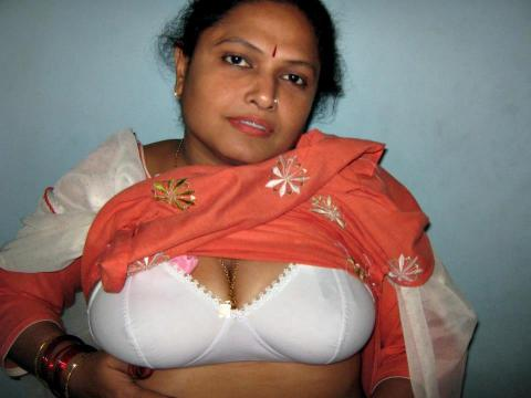 Malayalam Aunty Sexy Boob Image - Hot Tamil mallu aunty photos without ...