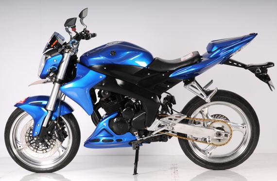 modifikasi motor byson warna biru  tahun ini