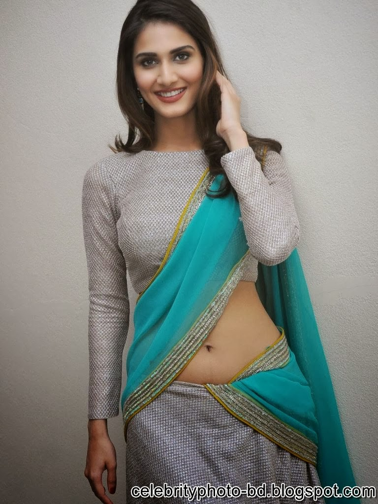 vaani+kapoor+hot+navel+photos+at+aaha+kalyanam+movie+press+meet010
