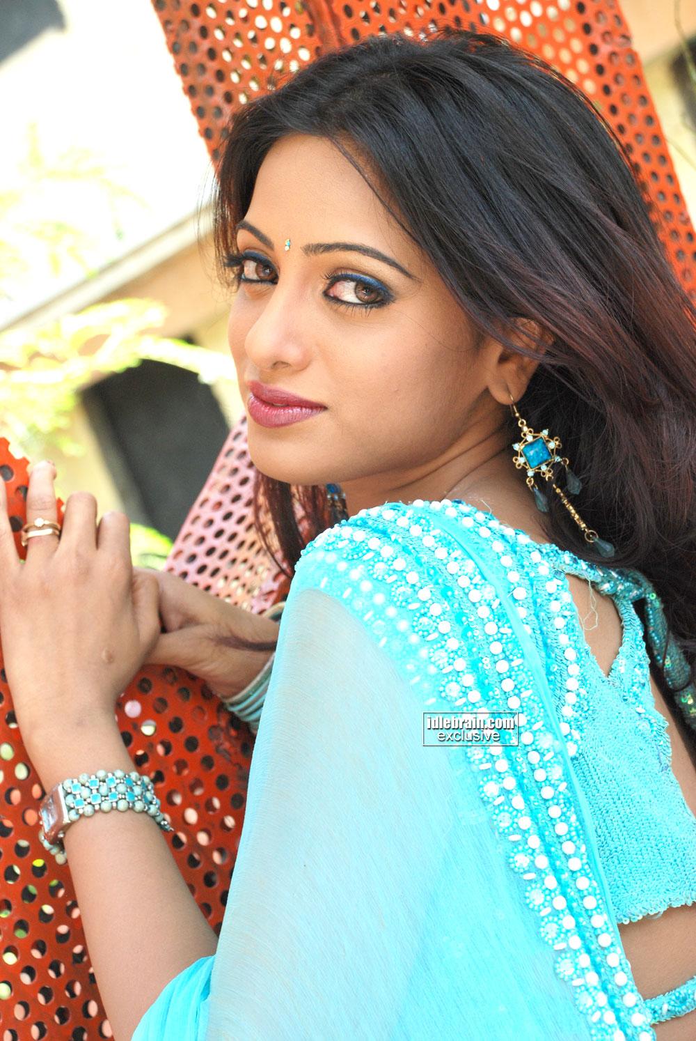 15 Creative Udaya bhanu hot photo gallery
