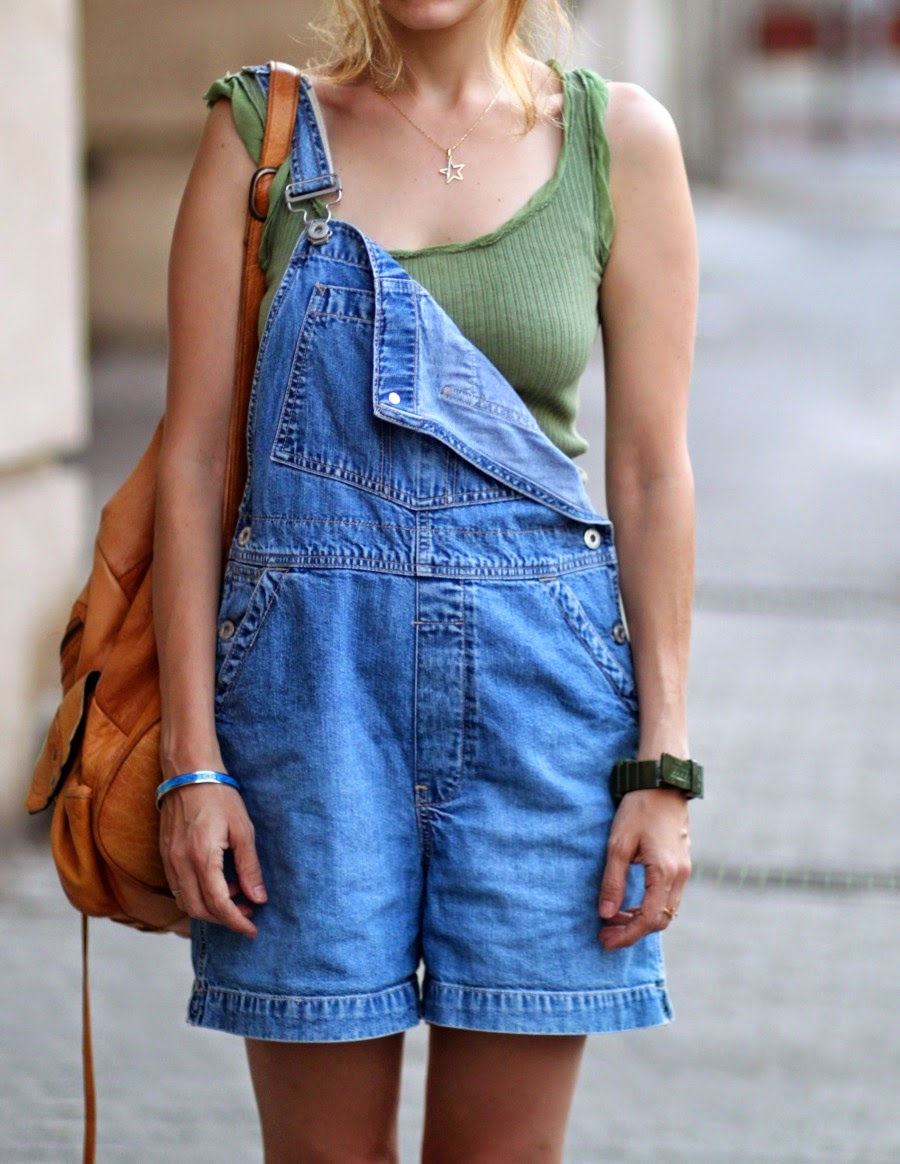 dungaree,greece,white,T-shirt,style,secondround,בלוגאופנה,אופנה