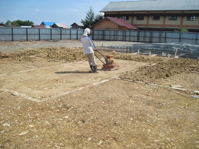 pengurugan dan pemadatan tanah