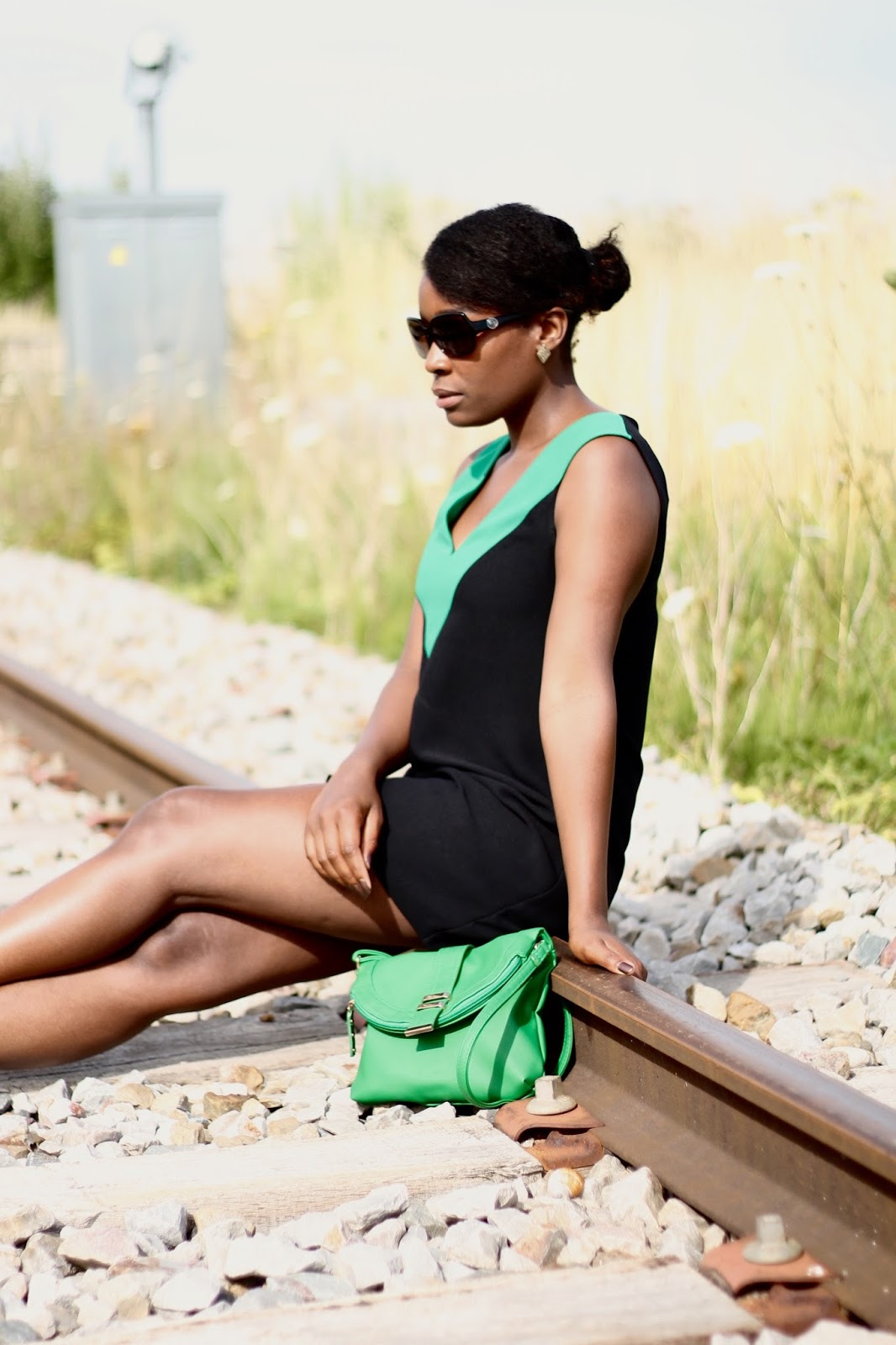 black fashion blogger- hype- chic- fashion blogger- A TOUCH OF GREEN