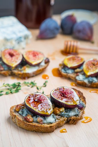 Fig and Gorgonzola Crostini with Honey on Closet Cooking