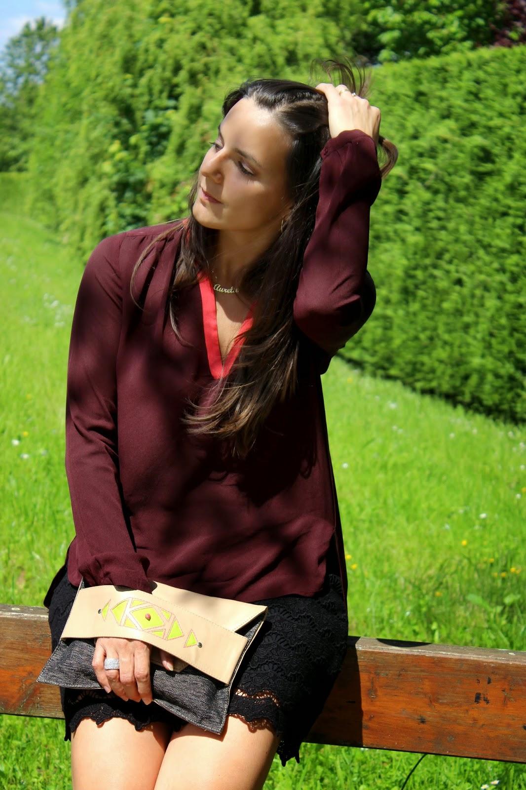 pochette folklo by Ka, blouse comptoir des cotonniers, escarpins corail cosmoparis