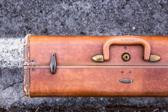 Koffer packen: Günstige Reisen finden