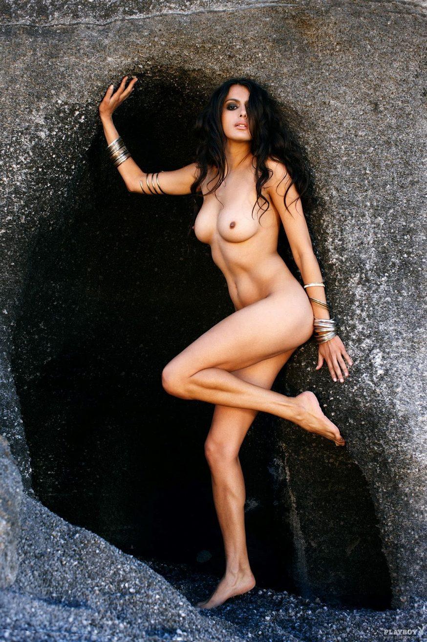 Nude woman bathing vids